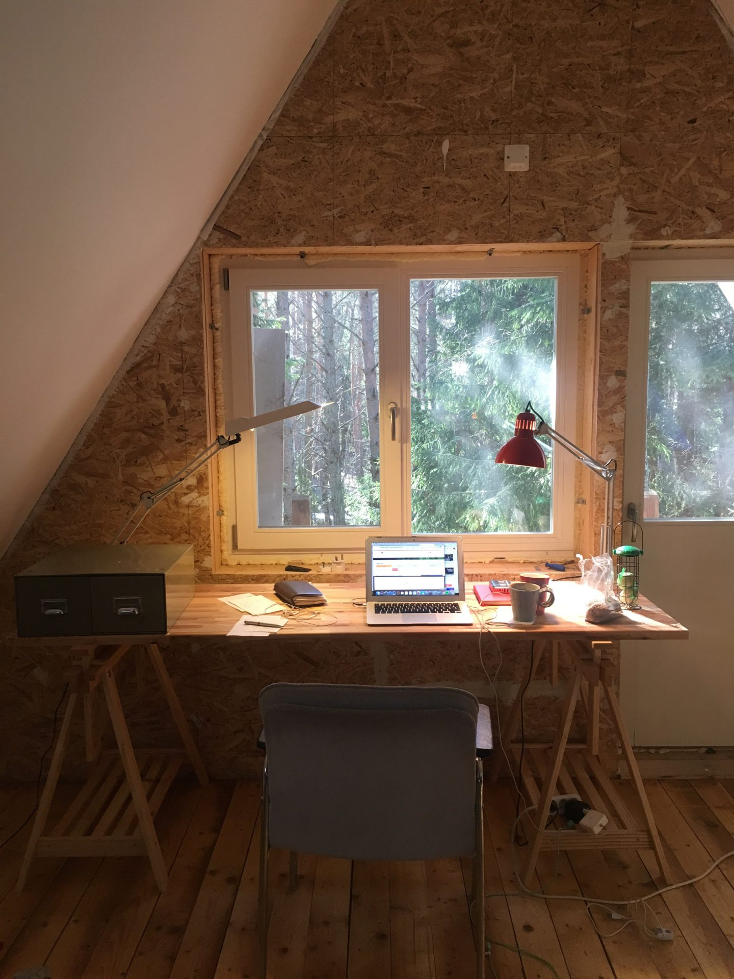 Laura tried the 9/80 work schedule at her home office.