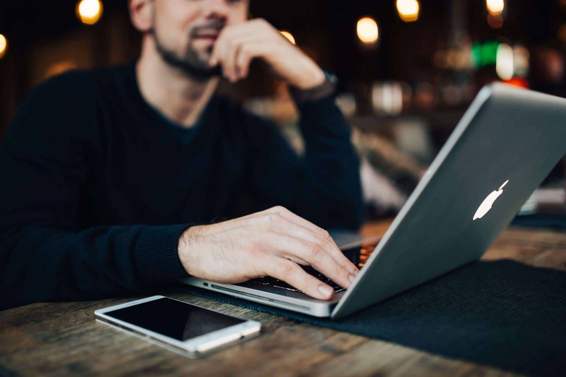 Kaboompics Man Laptop Mobile Phone 1920x1280